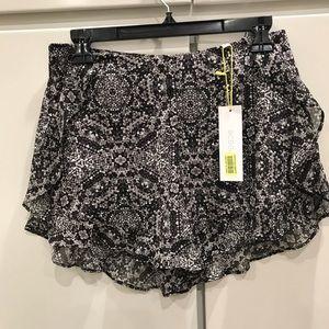 BCBGeneration women's size 4 Dress shorts